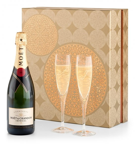 Champagne and Flutes Gift Set_1