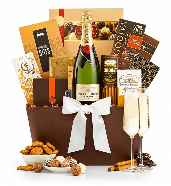 The Royal Champagne Gift Basket_1