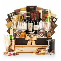 Versailles: The Ultimate Gift Basket