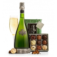 Segura Cava and Chocolates Gift