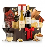 The Vintner's Holiday Wine Chest
