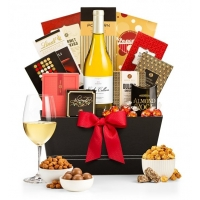 Royal Treatment Wine Gift Basket